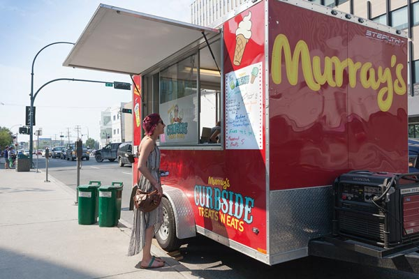Murray's Curbside Treats 'N Eats moves around a lot, but Yellowknifers follow. Photo Hannah Eden