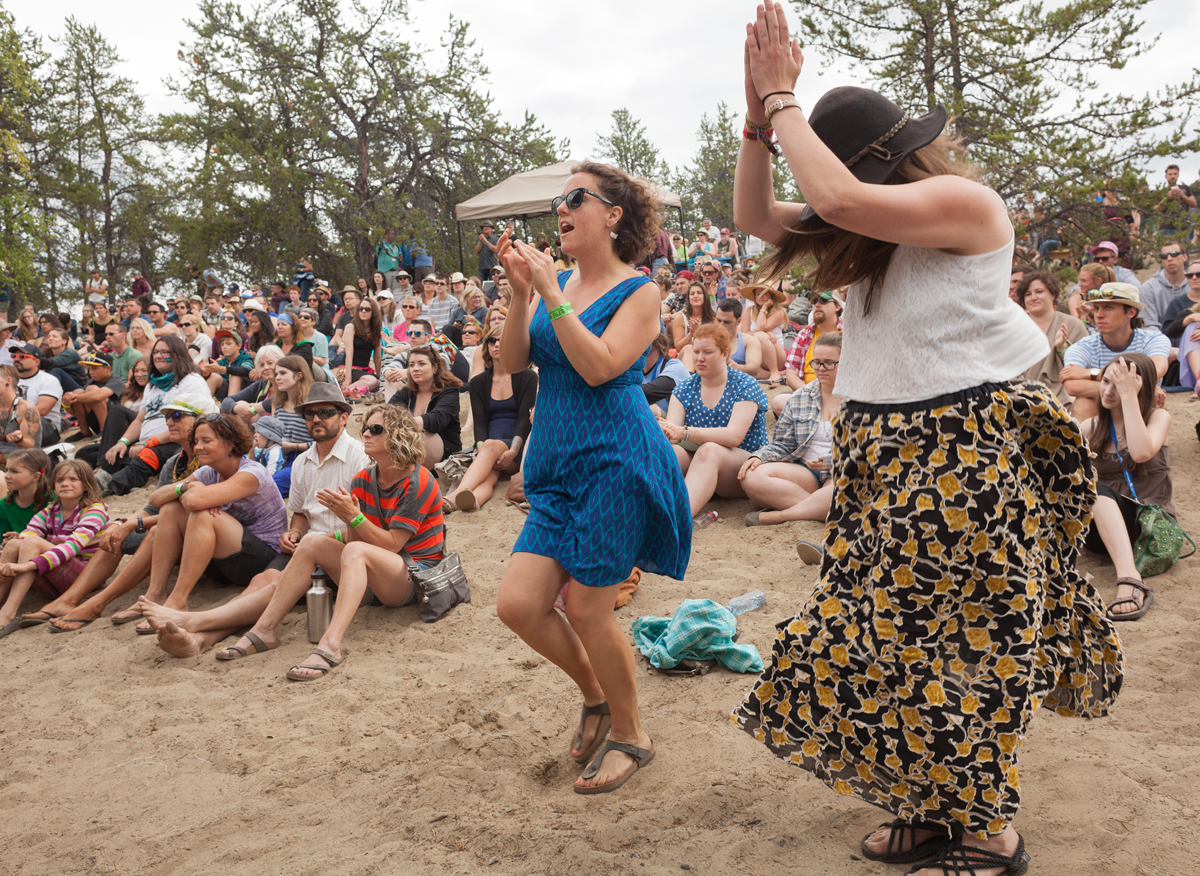 Dancing in the sand at Folk on the Rocks. Photo by Hannah Eden/Up Here